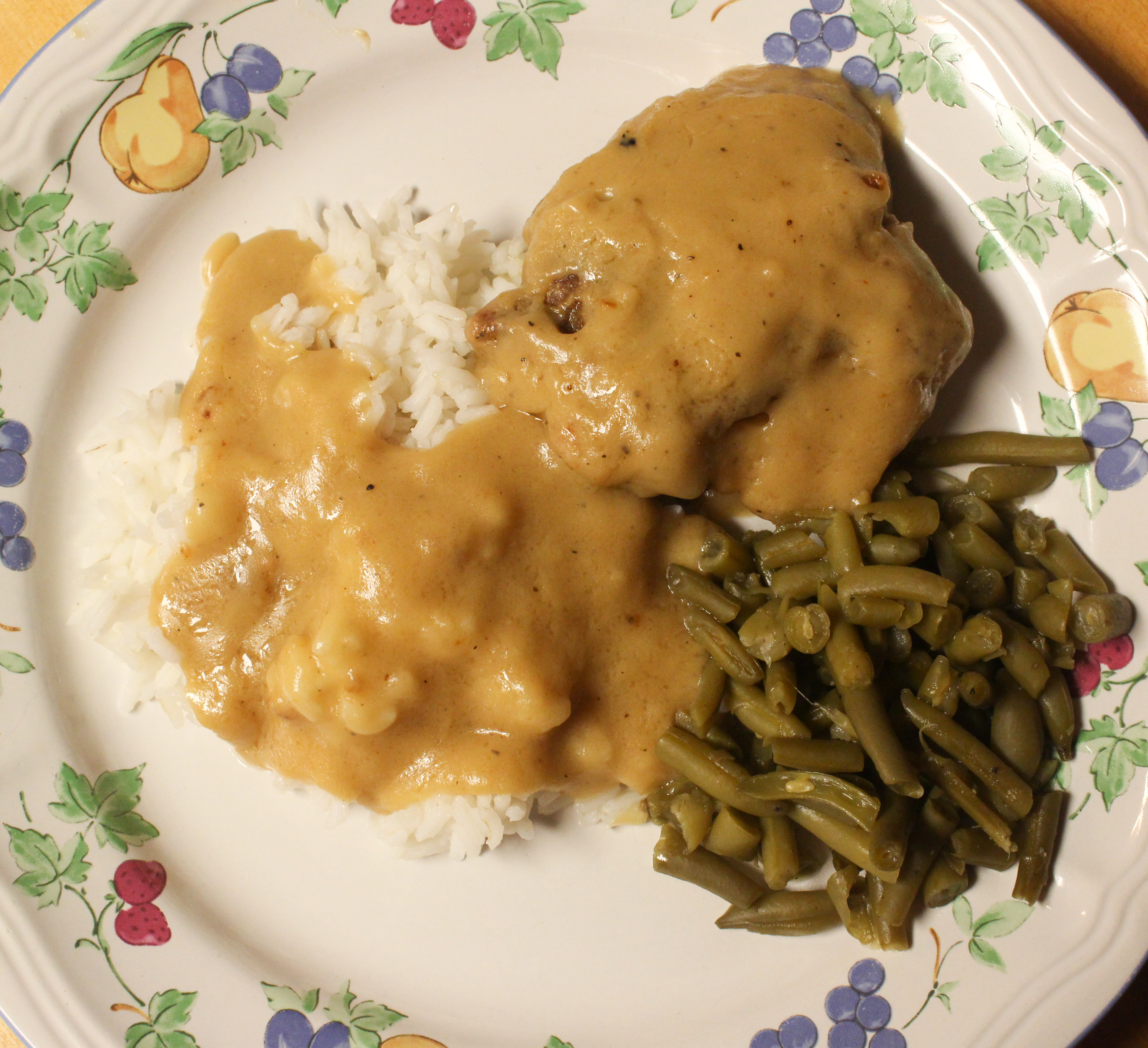 chick n gravy The cracker barrel saturday dinner special is made from scratch chicken n' rice chicken tenderloins are simmered in a hearty chicken mushroom gravy and served on top of brown rice pilaf along with two country vegetables.